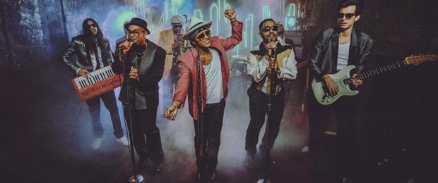 Uptown Funk - Mark Ronson  ft.  Bruno Mars