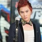 Hình ảnh ca sĩ Du Thiên