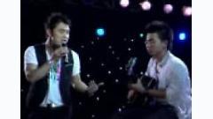 Video Căn Gác Trống (Acoustic Version) - Ưng Hoàng Phúc