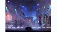 Trả Nợ Tình Xa ( Live Show Uyên Trang ) - Uyên Trang