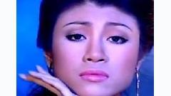 Video Yêu Trong Lầm Lỡ - Uyên Trang