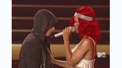 Not Afraid / Love The Way You Lie (MTV Video Music Awards 2010) - Eminem,Rihanna