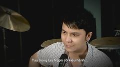 Ngọn Cờ Kiêu Hãnh - Vũ Quốc Việt