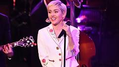 50 Ways To Leave Your Lover - (Saturday Night Live 40th Anniversary Special) - Miley Cyrus
