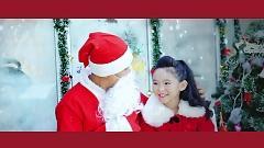 Video Mùa Giáng Sinh An Lành - Bé Huệ Nhi