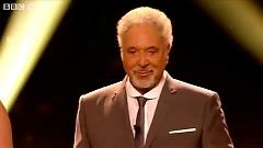 Video Hit The Road Jack (The Voice UK - Live Show 3) - Tom Jones,Various Artists