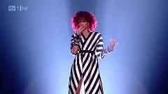 Video What's My Name (X Factor Final) - Rihanna