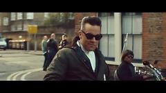 Video Goin' Crazy - Dizzee Rascal, Robbie Williams