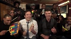 Blurred Lines - Jimmy Fallon  ft.  Robin Thicke  ft.  The Roots