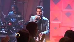 Vida (Live On The Queen Latifah Show) - Ricky Martin