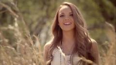 Video Young In America - Danielle Bradbery