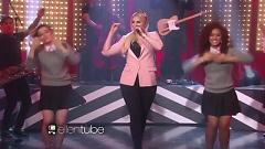 Video Lips Are Movin' (Live At The Ellen Show) - Meghan Trainor