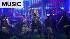 Medley: Spark The Fire, Rich Girl, What You Waiting For? The Sweet Escape (Jimmy Fallon 02-02-15) - Gwen Stefani