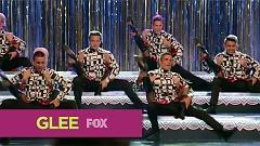 Video Rock Lobster - The Glee Cast