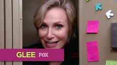 Bitch (Glee Cast Version) - The Glee Cast