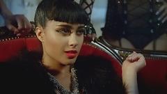 Video Champagne Showers - LMFAO , Natalia Kills