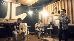 Nhìn Lại (Acoustic Version) - Trung Quân Idol  ft.  Duy Phong  ft.  Trung Kiên