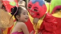 Video Bé Thương Ông Địa - Bé Ngọc Ngân