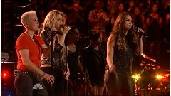 The One Thing (Live At The Voice US 2014) - Shakira  ft.  Tess Boyer  ft.  Kristen Merlin