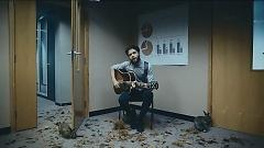 Video Scare Away the Dark - Passenger