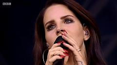 Cruel World (Interlude) & Cola (Live At Glastonbury 2014) - Lana Del Rey