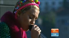 Wrecking Ball (Live On 7 Sunrise) - Miley Cyrus