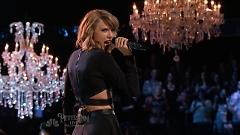 Video Blank Space (Live At The Voice 2014) - Taylor Swift