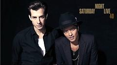 Uptown Funk (Live On Saturday Night Live) - Mark Ronson  ft.  Bruno Mars