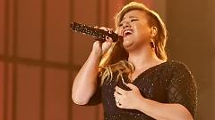 Invincible (2015 Billboard Music Awards) - Kelly Clarkson