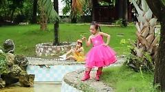 Video Đá Dế - Bé Ngọc Ngân