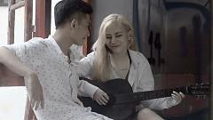 Video Quay Lưng - Yến Lê