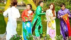 Video Tết Nguyên Đán - Angela Phương Trinh, Blue Duy Linh, Hương Giang Idol, Cường Malai, Phi Long, Lâm Khiết Băng
