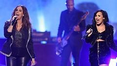 You Oughta Know (American Music Awards 2015) - Alanis Morissette  ft.  Demi Lovato