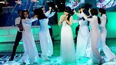 Video Nỗi Buồn Hoa Phượng (Liveshow Hát Trên Quê Hương) - Quỳnh Dung