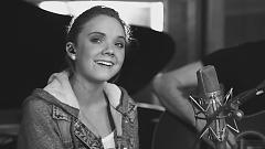 Roar - Danielle Bradbery