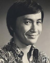 Lời bài hát được thể hiện bởi ca sĩ Hứa Quán Kiệt