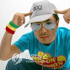 Lời bài hát được thể hiện bởi ca sĩ D.O