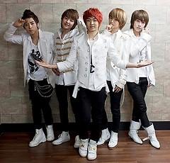 Lời bài hát được thể hiện bởi ca sĩ Dae Guk Nam Ah (D-NA)