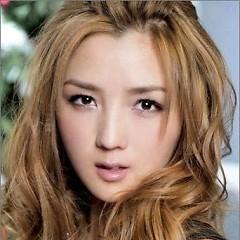 Lời bài hát được thể hiện bởi ca sĩ Hà Khiết