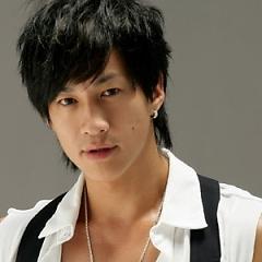 Lời bài hát được thể hiện bởi ca sĩ Hà Nhuận Đông
