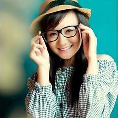 Lời bài hát được thể hiện bởi ca sĩ Xuân Mai