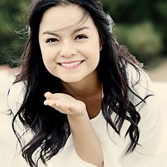 Lời bài hát được thể hiện bởi ca sĩ Phạm Quỳnh Anh ft. Weboys
