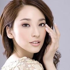 Lời bài hát được thể hiện bởi ca sĩ Ngô Bội Từ