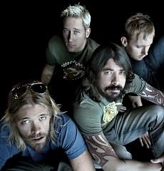 Lời bài hát được thể hiện bởi ca sĩ Foo Fighters