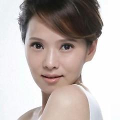 Lời bài hát được thể hiện bởi ca sĩ Y Năng Tịnh