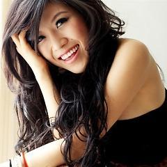 Lời bài hát được thể hiện bởi ca sĩ N.P. Thùy Trang