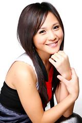 Lời bài hát được thể hiện bởi ca sĩ Lương Văn Âm