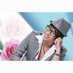 Ca sĩ Hồ Tuấn Anh