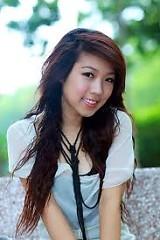 Lời bài hát được thể hiện bởi ca sĩ Kan Hee Ngọc Hiền