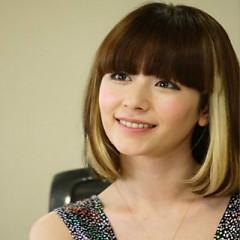 Lời bài hát được thể hiện bởi ca sĩ Kaela Kimura